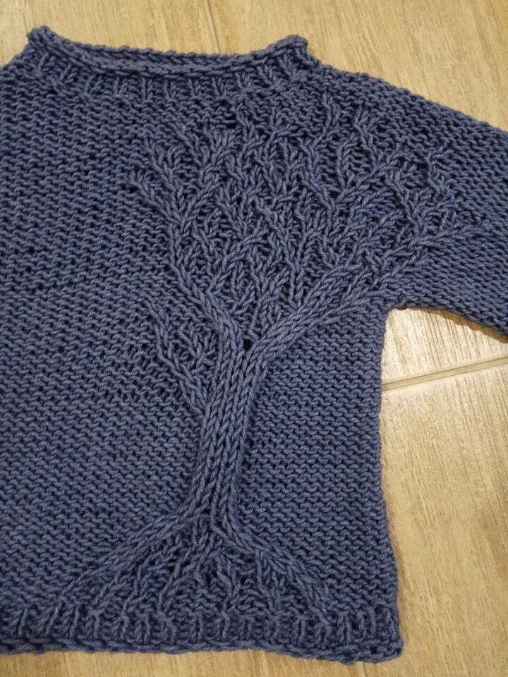 Всем привет! Разрешите представить еще одну работу на конкурс. Свежесвязанная. Постоянная заказчица попросила связать свитер с деревом. Типа вот такого: Схемы к этому варианту не было. Да и вариант вроде бы детский.