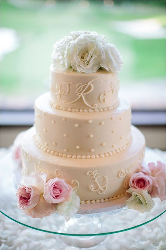 beautiful white wedding cake by Susie Cakes #weddingcake #elegantcake #weddingchicks http://www.weddingchicks.com/2014/03/11/newport-beach-glittery-pink-wedding/