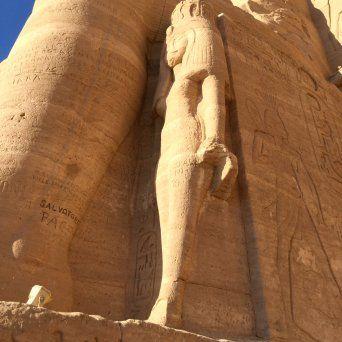 Abu Simbel Templos de Ramses II y Nefertari14