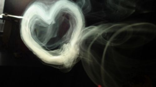 Smoke Hearts | http://everydayhookah.com/smoke-hearts/