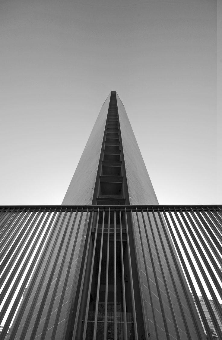 Pirelli Tower, Milan Italy (1958) | Architects : Gio Ponti + Pier Luigi Nervi