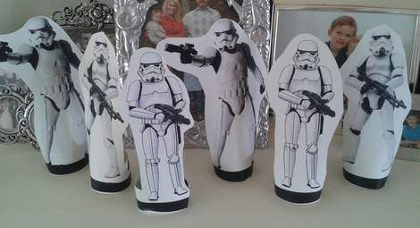 "How To Pull Off An {awesome} ""Star Wars"" Birthday Party, cheap or free FUN games, food, and favors 