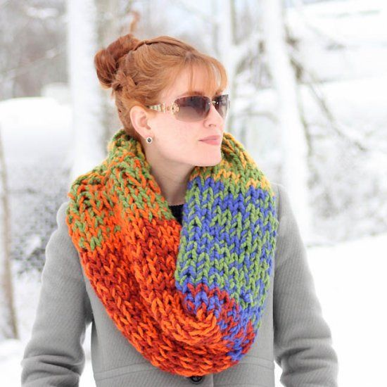 Beginner knitting pattern for this Double Layered Chunky Cowl. knit and cro...