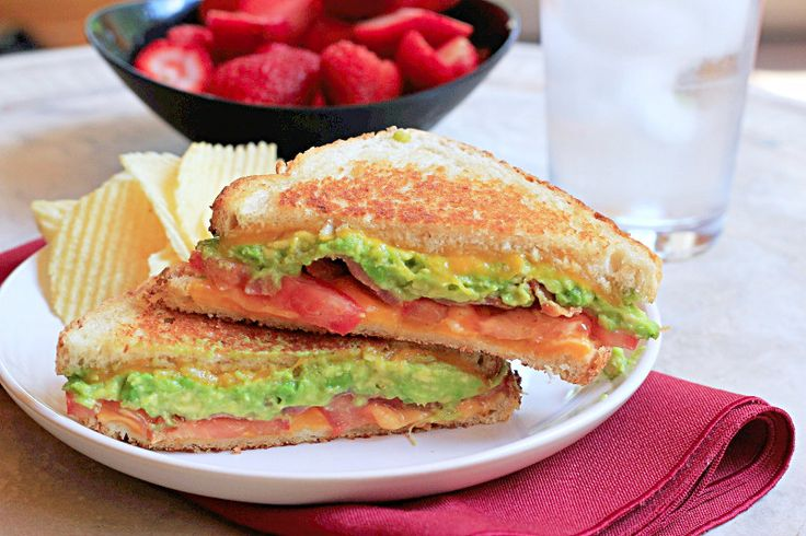 Bacon Avocado Grilled Cheese  @Dinnersdishesdessert