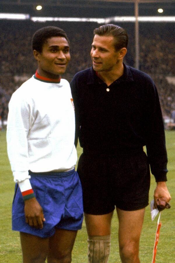 Eusebio e Lev Yashin, O Pantera Negra e o Aranha Negra. Na Copa do Mundo da Inglaterra em 1966.