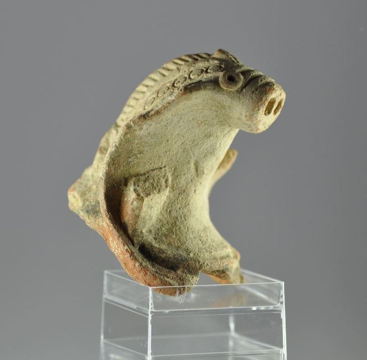 Indus Valley pottery cobra, 1st millenium B.C. Indus Valley pottery cobra with elaborate skin decoration, 7.8 cm high. Private collection
