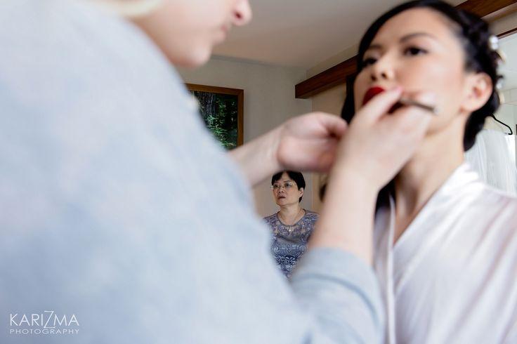 Bride getting ready, bride's morning, wedding, wedding day, wedding makeup