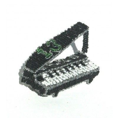 Piano with musical notes - wire beaded ornament - wire beaded standing ornament artwork handmade in Africa – handmade to perfection.