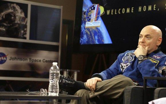 Mundo Curioso : Astronauta que llegó del espacio creció 5 centímet...
