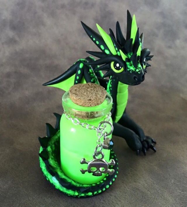 Poison dragon by dragonsandbeasties dragonsandbeasties for Dragon crafts pinterest