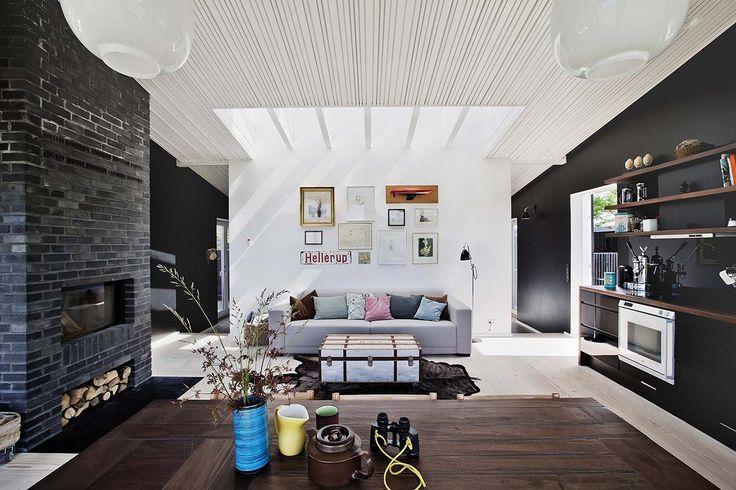 Duński dom, Fot. Christina Kayser Onsgaard/House Of Pictures// #dom #wnętrza #skandynawski #salon #kuchnia #wystrój #wnętrza dizajn #pomysły #inspiracje #zdjęcia #galeria #country #swojskie #minimalizm #kanapa #telewizor #ściany #podłoga #koc #domek #projekty #aranżacje #architektura #piękne #wille #duński #Dania #design #home #decorating #scandinavian #style #house #inspiration #architecture #room #ideas #photo #weranda