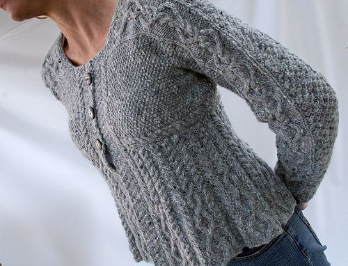 Debbie Bliss pattern, this knit by loriakasparkles on #Ravelry Things I Wan...