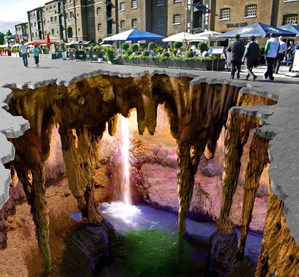 This is amazing!  3D sidewalk chalk WOW!