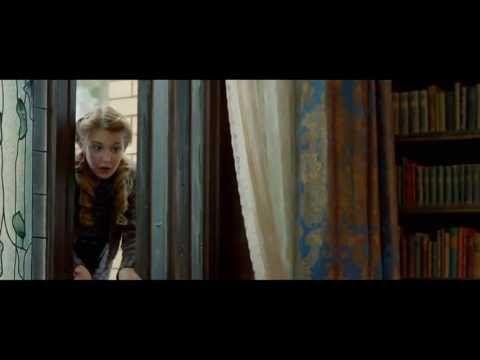 ▶ Воровка книг - Официальный трейлер C - Двадцатый век Фокс HD - YouTube
