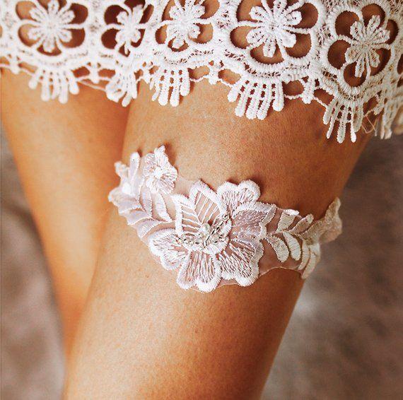 Wedding Garter Bridal Garter Lace Garter White Garter Flower Garter Prom Garter Toss Garter Vintage Gart Bridal Garters Diy Wedding Garter