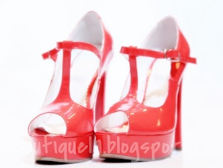 pantofi peep toe  toc: 13cm  platforma: 3cm  pret: 280 RON  pt comenzi: incaltamintedinpiele@gmail.com