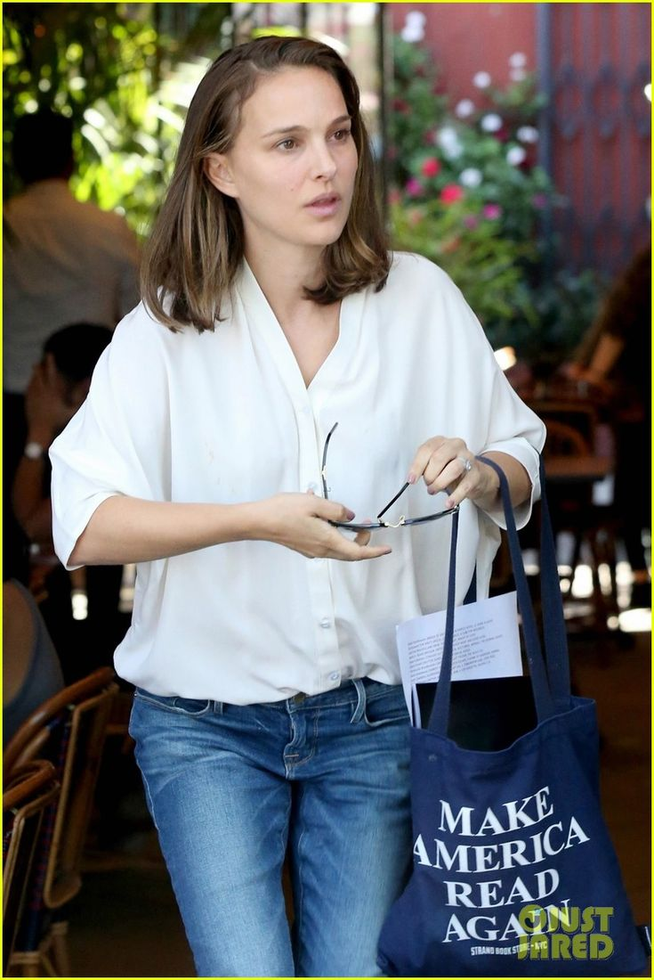 Natalie Portman Goes Makeup-Free While Running Errands in Los Feliz | natalie portman goes makeup free while running errands in los feliz 03 - Photo