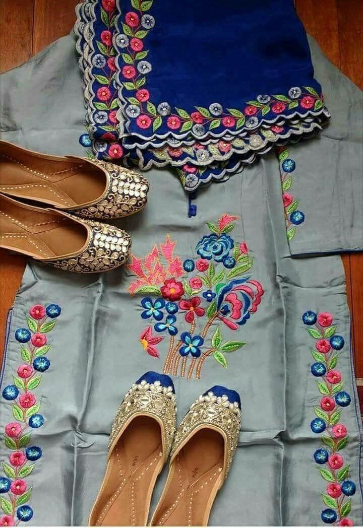 Punjabi suit style traditional jutti