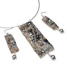 fiber art jewelry | il_fullxfull-669723025_pi5b.jpg