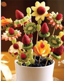 Vida e Arte na Mesa: Espetinhos de frutas