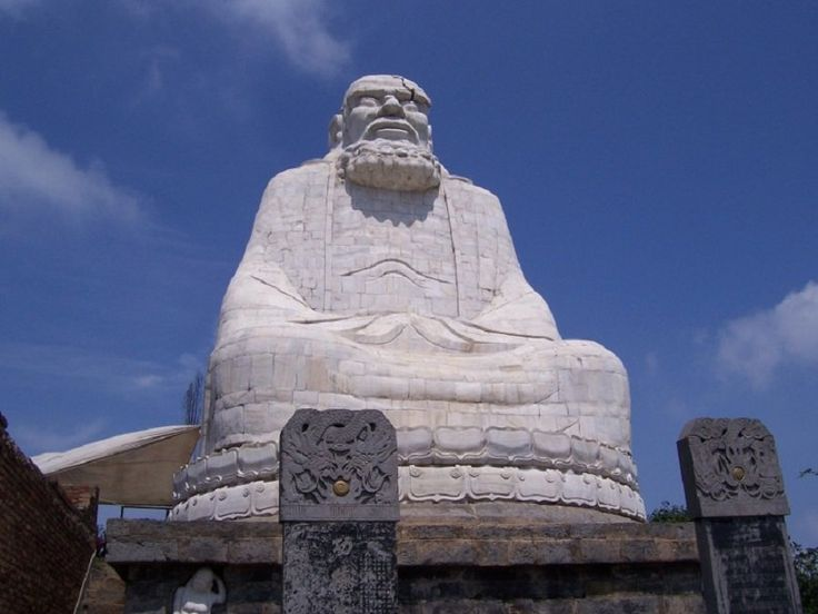 Colossal Statue of Indian Monk Bodhidharma ( Da Mo In China ) at Wuru Peak In Henan #China . Bodhidharma Founded Zen Buddhism and Shaolin Kung Fu In Henan Province of China.