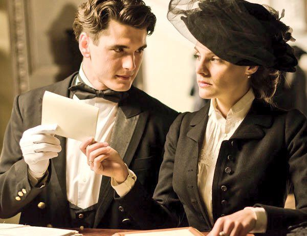 Gran Hotel. Julio and Alicia must read to know.