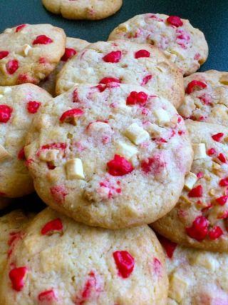 Cookies pépites de chocolat blanc et pralines roses                                                                                                                                                                                 Plus