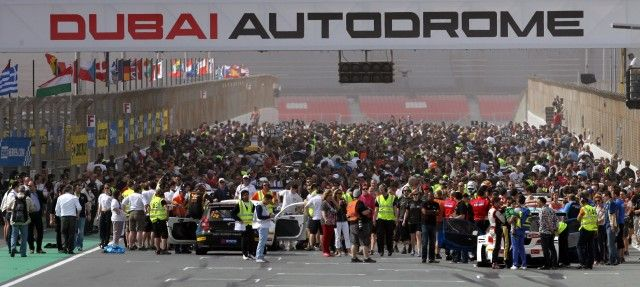 1. A grid of 100 cars will line up for the 2016 Hankook 24H Dubai in January