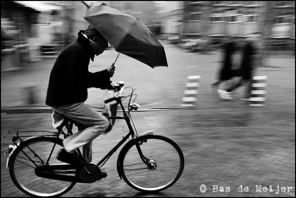 People from other coutries think that it always rains in the Netherlands. But of course this is not true. It just rains a lot, but not always. When it rains all the time, people will not cycle that much. So it doen't rain that much. I totally hate rain, I prefer the sun and good, warm weather. (Joelle)