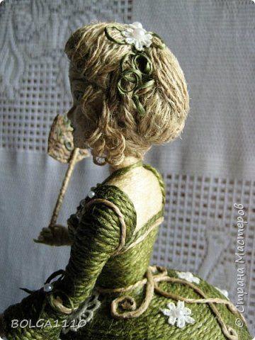 Здравствуйте , дорогие жители нашей страны!Я к вам с новой куклой-шкатулкой!В ней я реализовала несколько своих задумок.Во-первых, это раздельные пальчики.Во-вторых, другая форма платья,за счет неё увеличился размер шкатулки.Результат моего труда предоставляю на ваш суд. фото 4