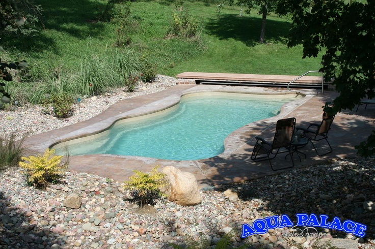 Fiberglass Pool With Light Colored Shell Makes Water Very