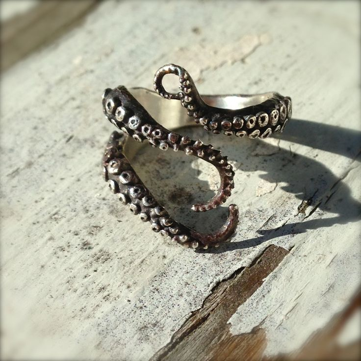 Knuckle Ring, Pinky Ring, Wicked, Tentacle Ring, Octopus Jewelry by OctopusMe on Etsy https://www.etsy.com/listing/173401099/knuckle-ring-pinky-ring-wicked-tentacle
