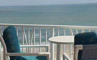 THIS CONDO IN PECK PLAZA IS NOT AVAILABLE DUE TO HURRICANE DAMAGE IN THE BUILDING. WE ARE RE-DIRECTING GUESTS TO OUR 2 BR 2BA, 10TH FL OCEANFRONT IN THE SAND DOLLAR. FOR INFORMATION, EMAIL OR CALL - 386-214-6388 Perfect ...