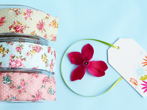 Pretty vintage-style floral ribbons..
