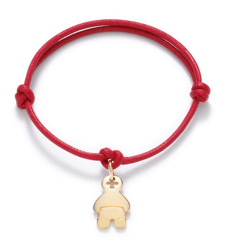 Wear a bracelet with the baby by Lilou, with your child's name engraved on the pendant! #lilou #baby #child #name #engraved #pendant