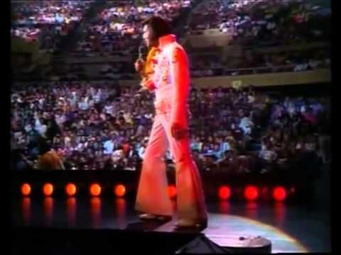 Elvis Presley ao vivo no Hawaii - YouTube