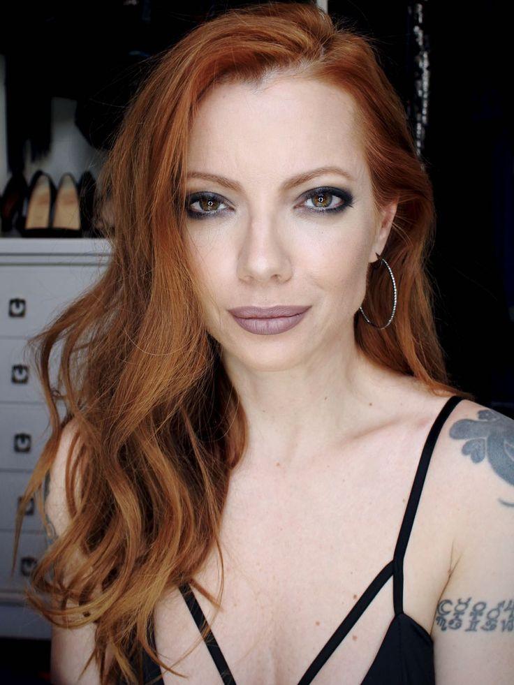 Julia Petit - Petiscos - cabelo com ondas texturizado om cera em spray usado no programa Esquenta