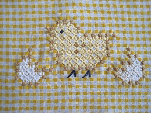 My First Chicken Scratch by kwgronau, via Flickr; this is the first pattern I did too....