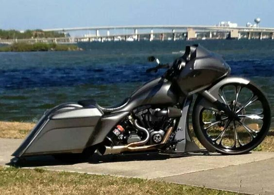 Custom Harley Davidson Road Glide: Custom Harley, Bad Bikes, Bikes Baggers Ladies, Ass Bikes, Bagger Motorcycles, Baggers Cycles Trikes Bikes, Baggers And Bikes, Ass Bagger