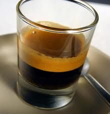 14 billion espresso coffees are consumed each year in Italy, reaching over 200,000 coffee bars, and still growing!