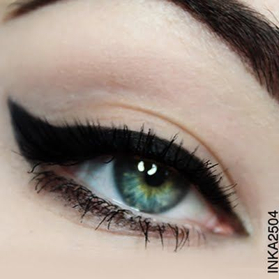 Striking and precise cat eye is featured in this minimalist but fashionable make up. Know the essentials used to DIY for your next party.
