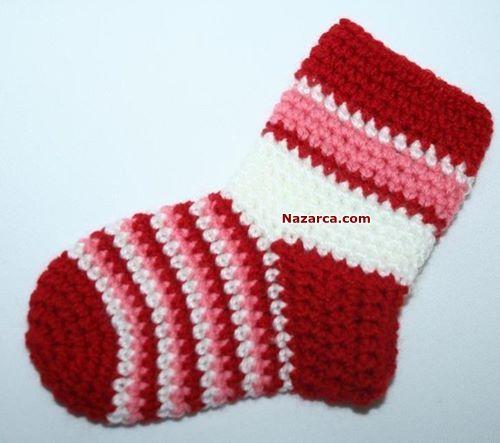 Tığ işi Çoraplar.Örgü Çorap Modelleri-Tığla Yapılan Bebek Çorapları için çok kolay Resimli anlatımlı Örgü Fiyonklu Bebek Çorabı Yapılışı. Bebeklerin ayakları üşümesin onlara Tığ işi Kolay Çorap örn…