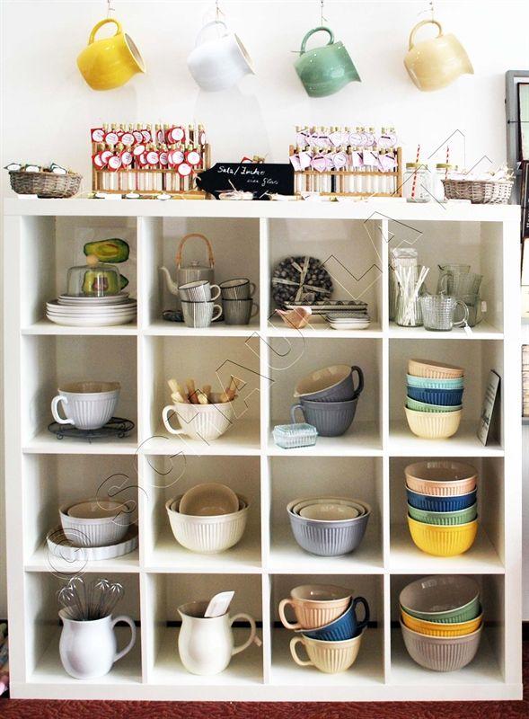 die Küchenecke mit Keramikschüsseln aus der Serie Mynte von IbLaursen. #dänisch #tolleschüsseln #küche