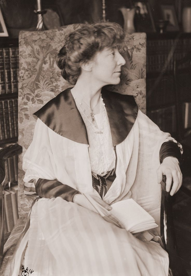 Jeannette Pickering Rankin (June 11, 1880 – May 18, 1973) was the first woman in the US Congress. A Republican, she was elected statewide in Montana in 1916 and again in 1940.