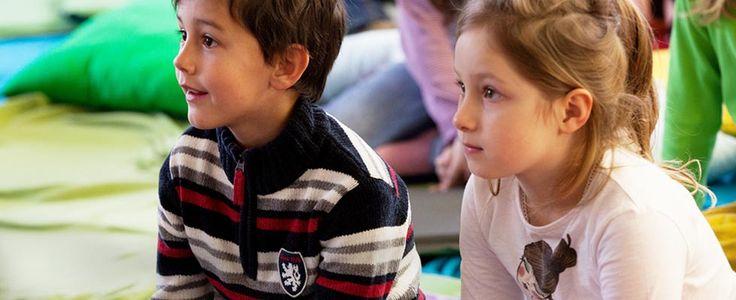 #Vorlesetag An jedem 3. Freitag im November lesen mehr als 110.000 Vorleser/innen Geschichten vor - jetzt anmelden und mitmachen! #vorlesen #leseförderung #Stiftung Lesen