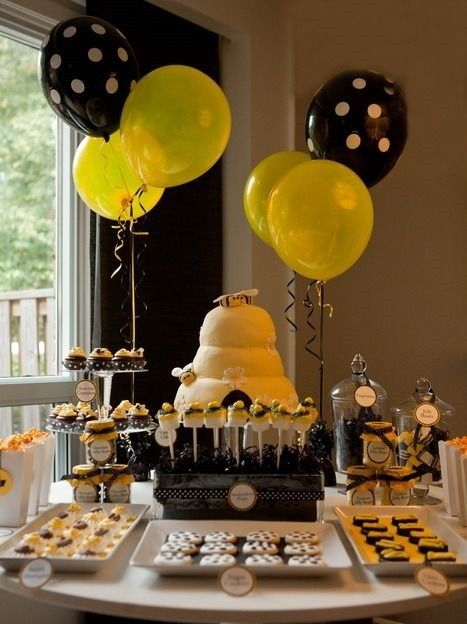 Bee Baby Shower Table Setting