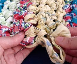 how to make a rag rug with crochet chains