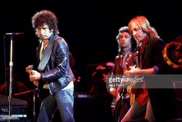 Browse Bob Dylan and Tom Petty at Farm Aid - September 22, 1985 latest photos. View images and find out more about Bob Dylan and Tom Petty at Farm Aid - September 22, 1985 at Getty Images.