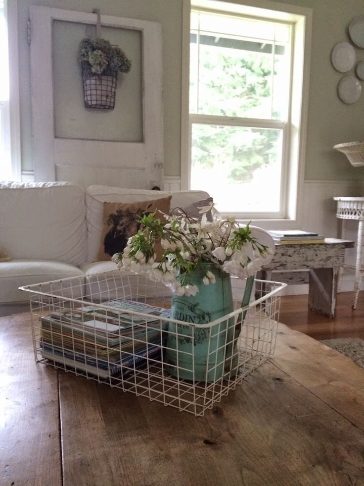 Little Farmstead: Spring Decorating {Fragrance}