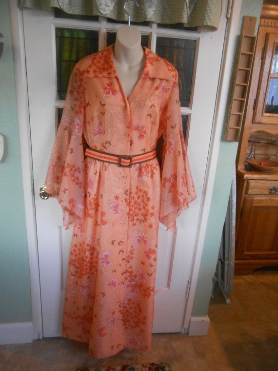 Vintage 70's Alfred Shaheen Formal, stunning pattern with butterflies, wonderful autumn fall colors, marvelous sleeves, Size 14-16, Perfect!